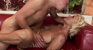 Amateur old GILF getting pussyfucked